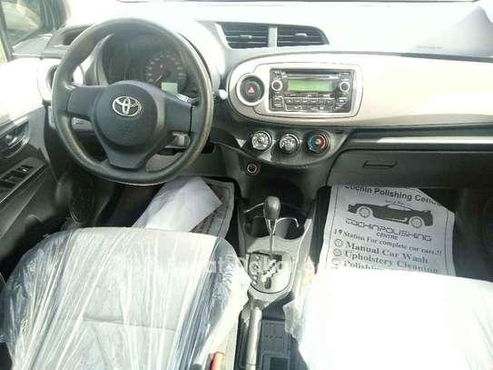 Toyota Yaris 2013 image 2