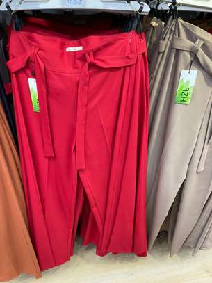Des pantalons bas large image 5