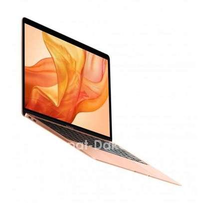 Macbook air 2020 gold image 1