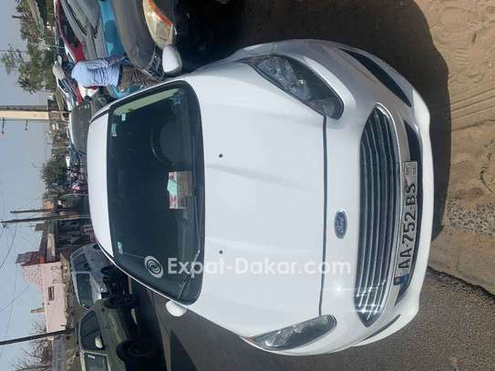Ford Fiesta 2015 image 3
