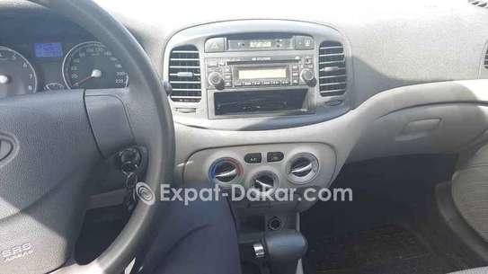 Hyundai Accent 2010 image 6