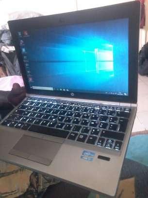 HP  EliteBook  Core i7 image 2