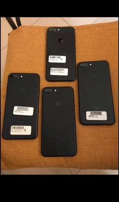 iPhone 7plus 128 image 2