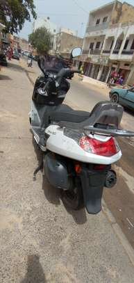 Kymco new dink 125cc image 2