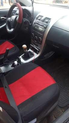 Toyota Corolla 2011 image 2