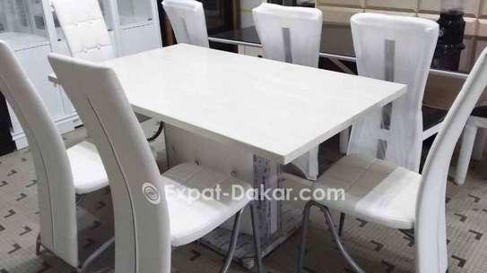 Table à manger avec 8 chaises image 5