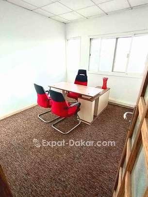 Location de bureau meublé image 4