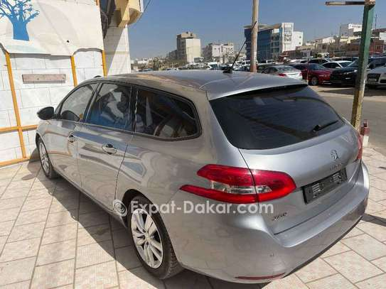 Peugeot 308 2016 image 1