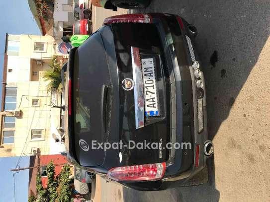 Cadillac  2011 image 2