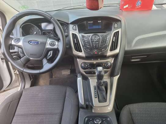 Ford Focus SEL 2012 image 3