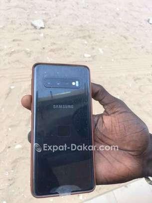 Samsung galaxy S10 image 2