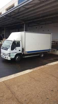 Location de camionnette utilitaire image 2