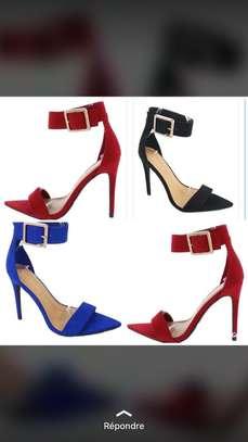 Vente de chaussures femmes image 3