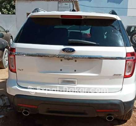 Ford Explorer 2013 image 2