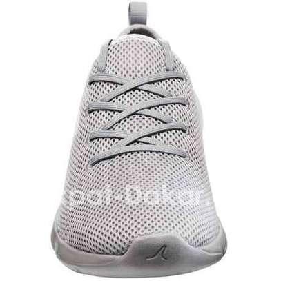 Promo chaussure authentique image 1