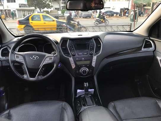 Hyundai Santafe 2015 image 2