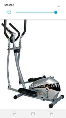Vélo elliptique tout neuf à vendre image 1