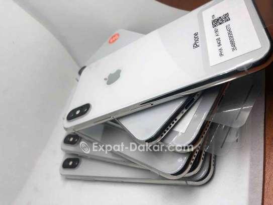 IPhone X image 3