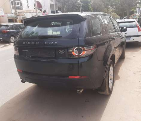 Land Rover Discovery image 5