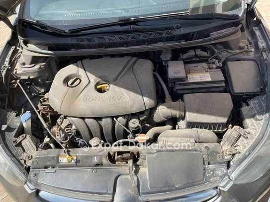 Hyundai Elantra 2012 image 3