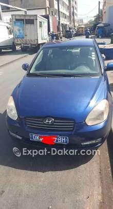 Hyundai Accent 2010 image 2