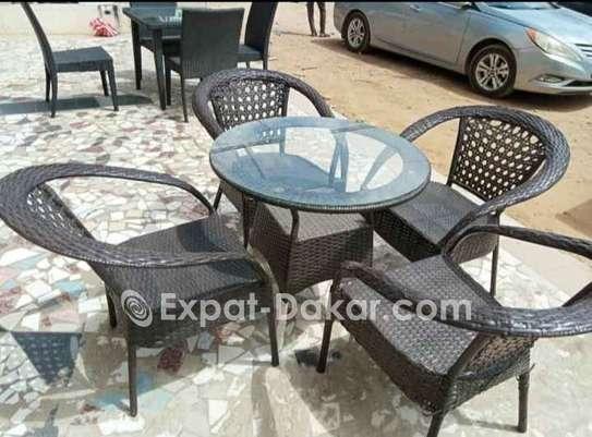 Table jardin ou terrasse avec 4 chaises image 3