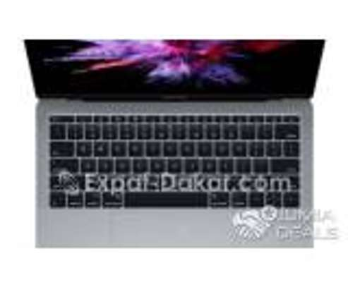 MacBook Pro 2017 i5 image 1