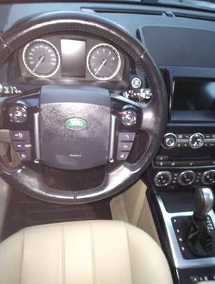 Land Rover LR2 2014 2.0L 4x4 image 2