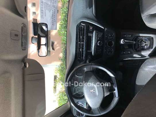 Peugeot 301 2016 image 12