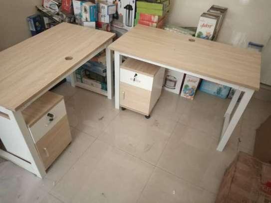 Table en bois image 2