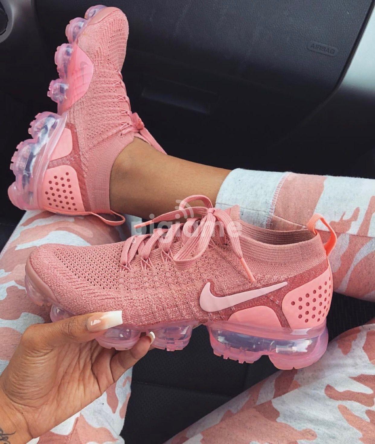 VaporMax Rust Pink Nike in Nairobi