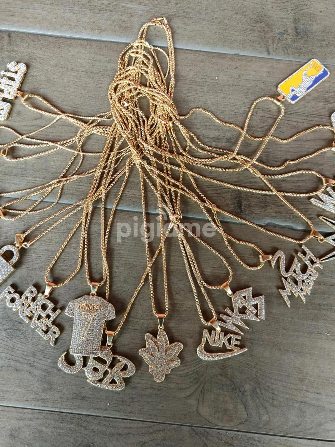 Iced Sling Chains With Pendant