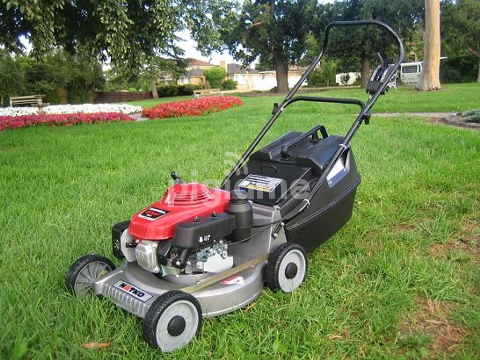 Lawn Mower Gr Cutting Services In