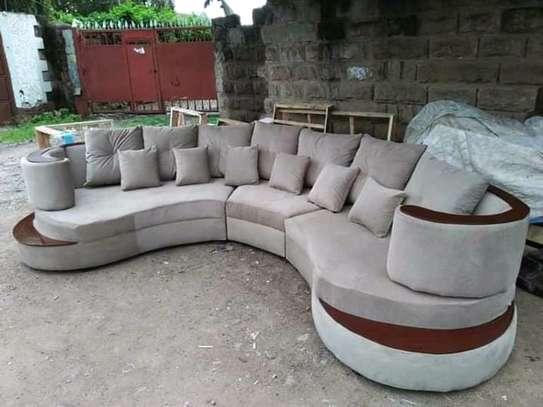 Round/swivel classic sectional U-sofas image 1