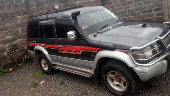 Mitsubishi Pajero image 2