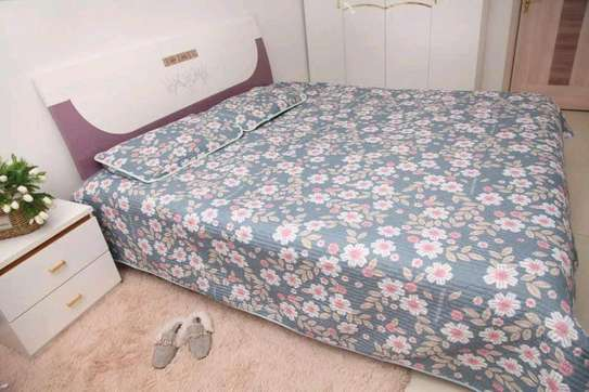 Bedcover  with 2pillowcases 6*6 image 3