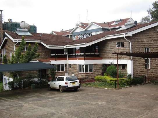 836 m² office for rent in Riverside image 1