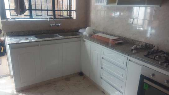 kitchens image 2