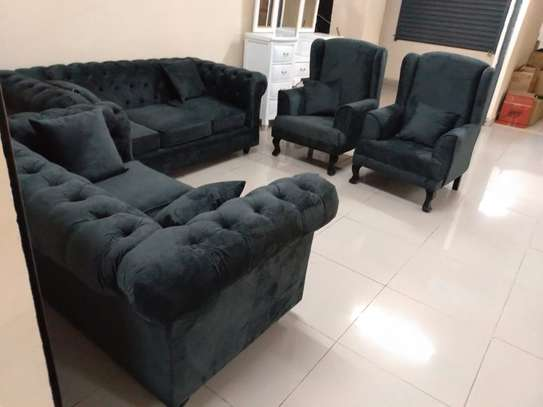 Good 7 seater buttoned sofaset image 1