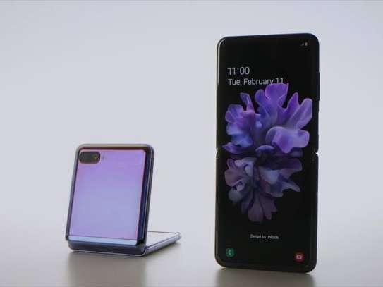 Samsung Z flip image 1