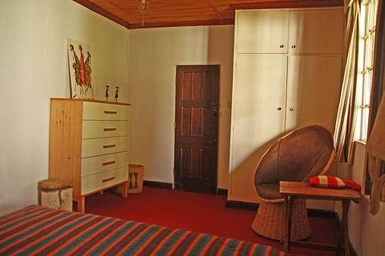 ROOM IN HOUSESHARE IN TIGONI image 4