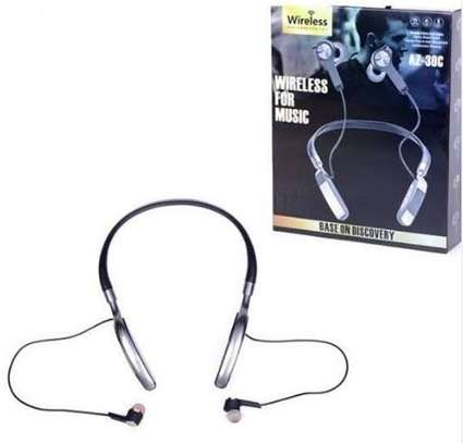 Bluetooth earphones with powerful bass image 1
