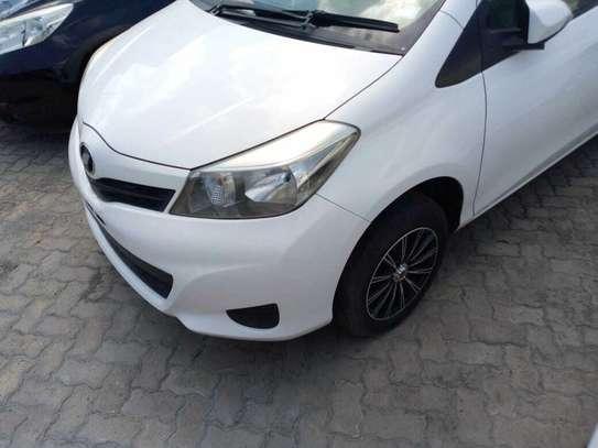 Toyota Vitz image 8