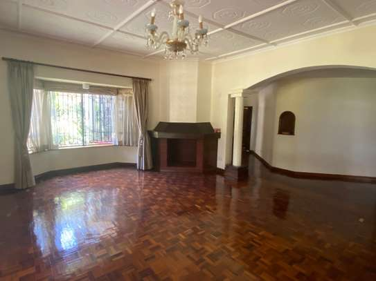 5 bedroom house for rent in Gigiri image 5