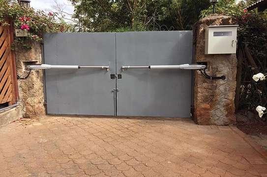 Automatic Remote gates image 1