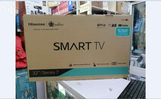 Hisense 32 inch Smart + Digital tv 32A5601HW image 1