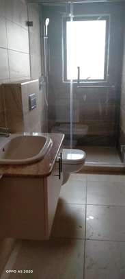 1 bedroom apartment for rent in Kilimani image 7