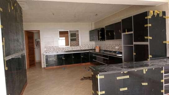 Luxurious sea view apartments to rent at nyali Mombasa Kenya image 3