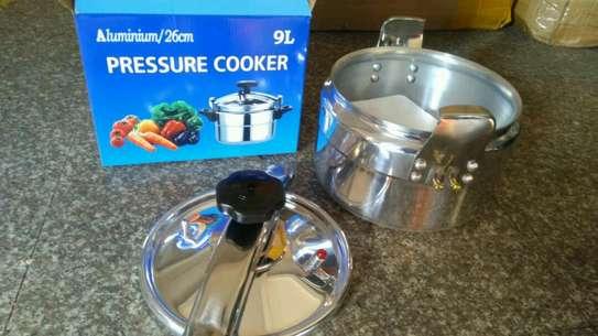 Pressure cooker 9 litres image 1