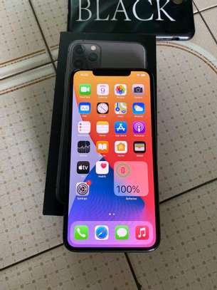 Apple iPhone 11 Pro Max 512GB Midnight Green image 2
